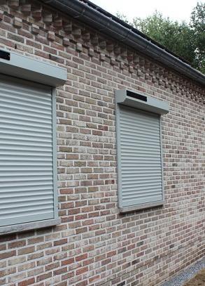 Building-Shuttersystems-voorzetrolluiken-Solar-zonne-energie